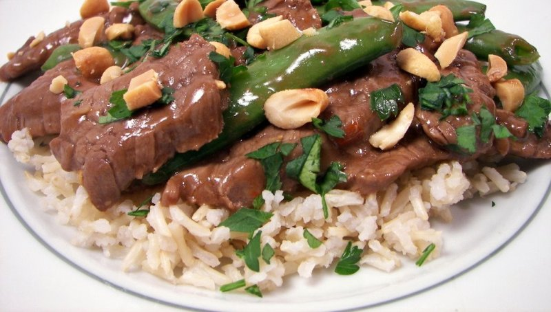 Spicy Beef and Snap Peas with Rice
