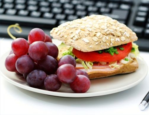 Why Lunch Is the Key To Keeping Your Metabolism going Right