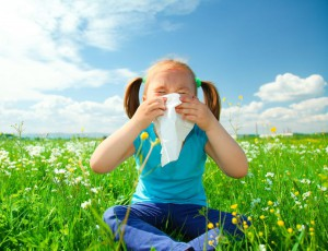 Rearranging your schedule to avoid the outdoors during the times of day that have the highest pollen count is a good way to avoid suffering allergy symptoms without medications.